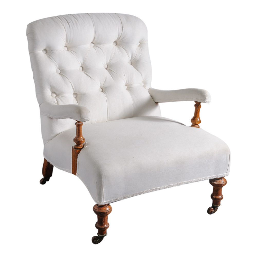 Victorian Tufted Chair w Wooden Legs on Casters On  : Patricia1241 from www.onantiquerow.com size 1000 x 1000 jpeg 271kB